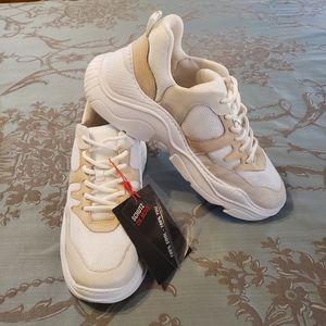 Schutz Jackye Chunky Dad Sneaker size 11